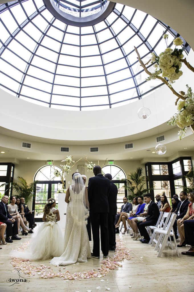 Our Bride Dakota Knew That It Would Be Real Warm On Her Wedding Day The Alfond Inn S Conservatory Was Perfect Location To Let Sunshine In And